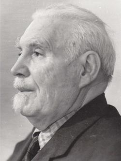 Петър Динев