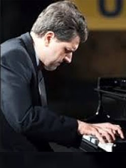 Михаил Стоянов