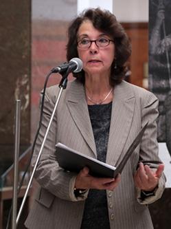 Магдалена Манолова